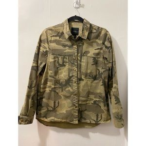 Camouflage Buttoned Light Jacket